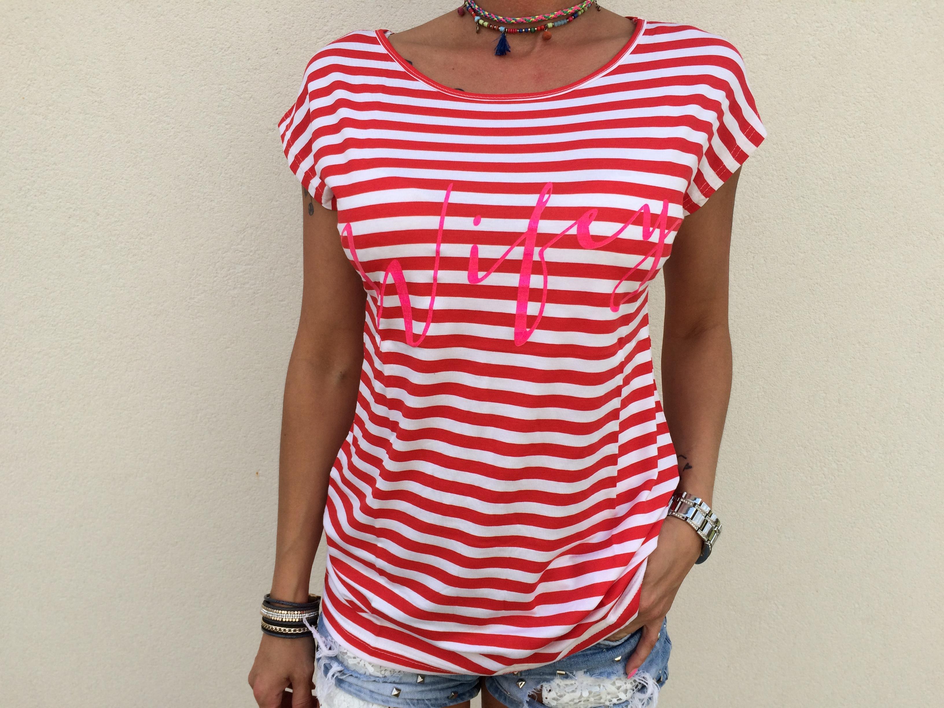 a03bc5402cf9 Pásikavé dámske tričko nápisom